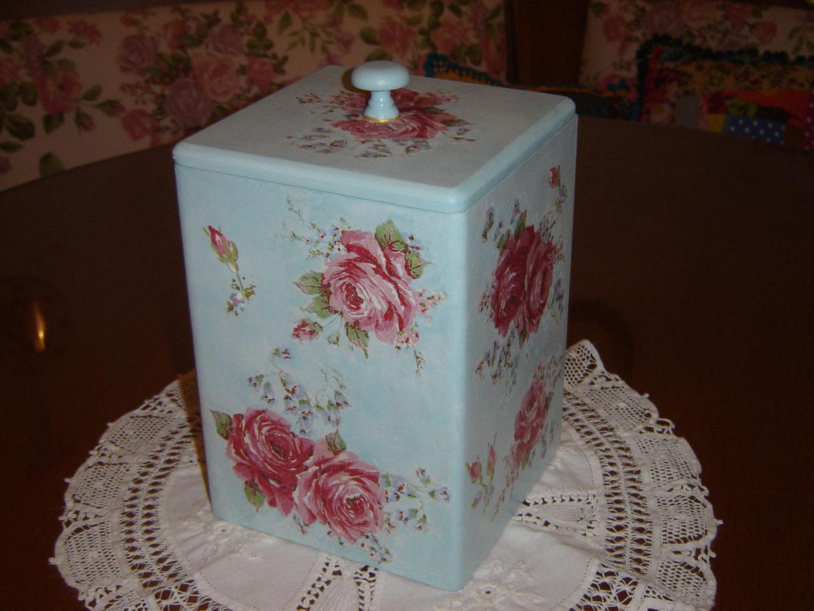 Requifife: Caixa de Madeira trabalhada com pintura e decoupage. #2B150D 1152x864