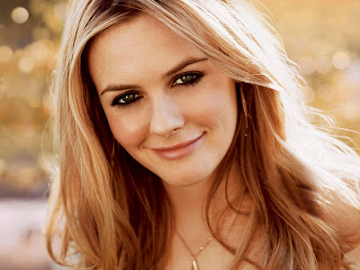 Alicia Silverstone Romance Hairstyles Pictures, Long Hairstyle 2013, Hairstyle 2013, New Long Hairstyle 2013, Celebrity Long Romance Hairstyles 2055