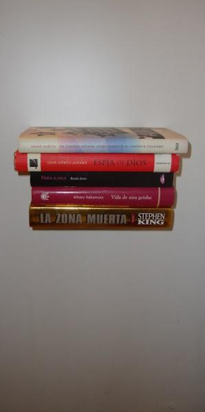 Estantes Para Baño Economicas:Me gusta mucho la idea de los estantes para libros invisibles, así