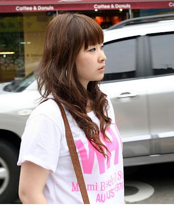 simple long hairstyle for girls spring 2009 · Asian Long Hair Style