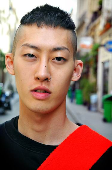 korean hairstyle for men. mohawk hairstyle for men
