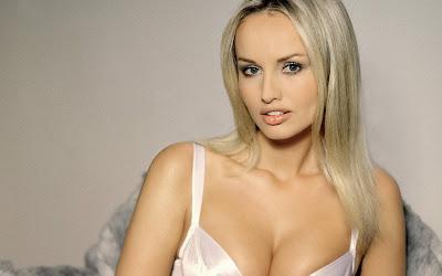 Adriana Sklenarikova Bikni Babes