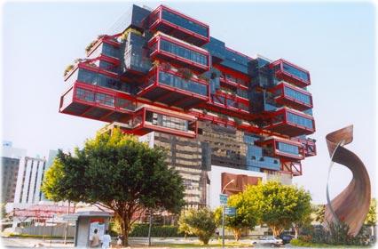 """Arquitetura do Brasil, representada por Brasília, é """"melancólica, feia e desumana"""" Arquitetura-salvador1"""
