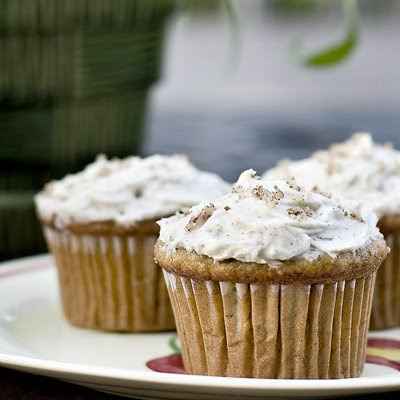 Your Everyday Mama: Banana Cupcakes with Honey-Cinnamon Frosting