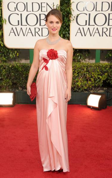 natalie portman julia roberts necklace. Natalie Portman;s Golden