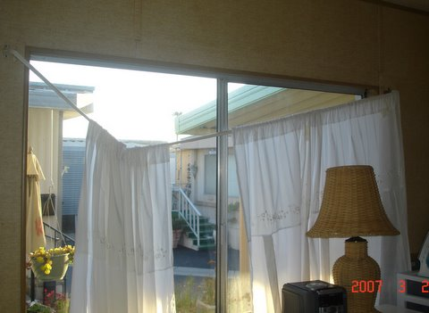 [bedroom+curtains]