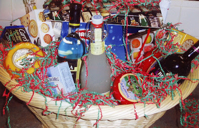 Wine baskets gift, Wine gifts, Christmas hampers, Wine gifts baskets, Food gifts, Gifts of food, Wine and gift baskets, Holiday gifts, Food gift, Baby Gifts Baskets, Gift baskets ideas, Chocolate Gift, Baby Gift Baskets, Gift Baskets Baby, Gift basket baby, Baby baskets gift, Baskets baby gift baskets baby, Gift basket idea, Gourmet gift, Gift basket ideas, Basket Gift Ideas