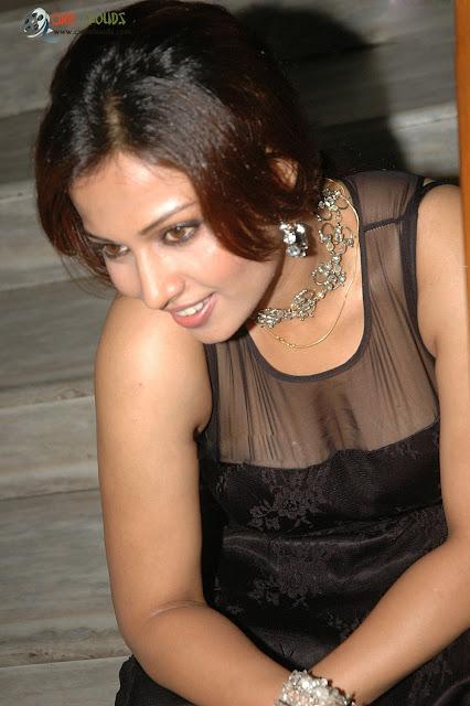 Asha Saina breast