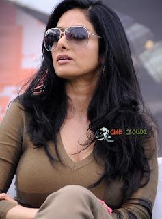 Old actress Sri Devi latest Photos22