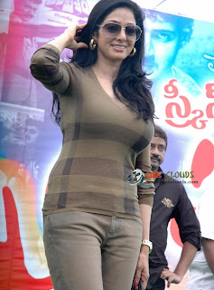 Old actress Sri Devi latest Photos38