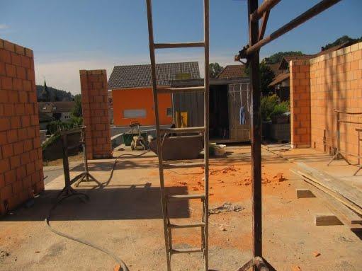 Braunau das haus nimmt langsam formen an for Haus formen