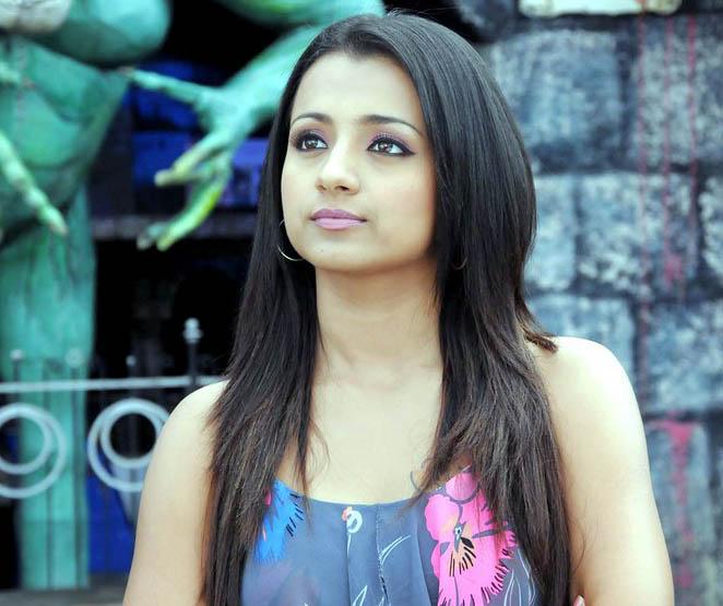 Actress Trisha Krishnan Beautiful Images glamour images