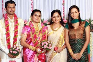 Kavya Madhavan And Bhavana In Suja Karthika Wedding