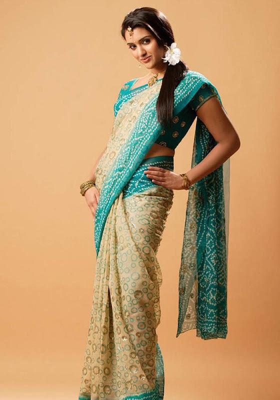 South indian actress Ragini Shetty Latest Stills  U hot photos