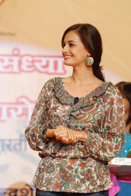 diya mirza hot images