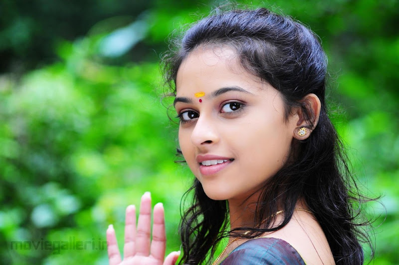 Sri Divya Nice Stills gallery pictures