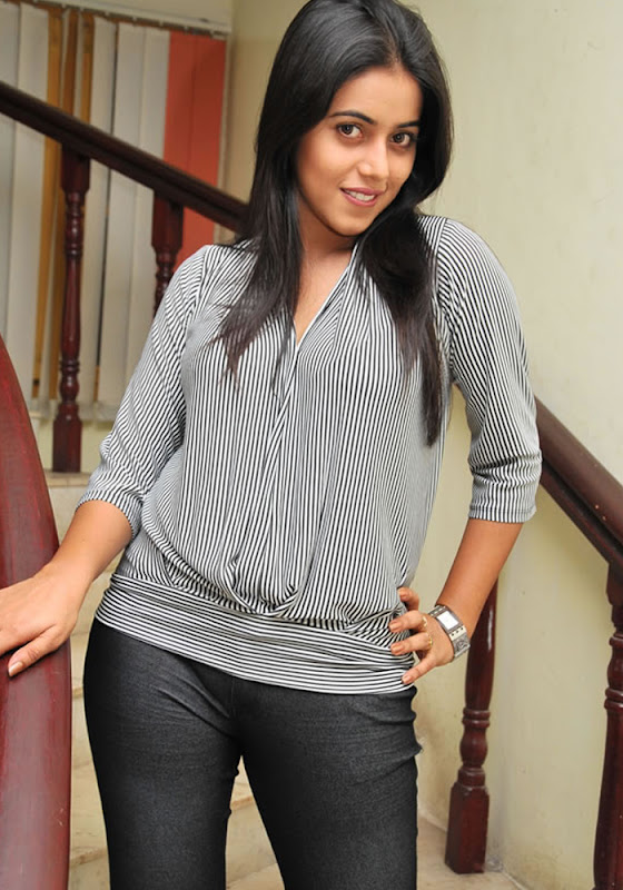 Shamna Kasim Exclusive Stills glamour images