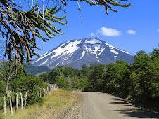 Volcán Lonquimay o Mocho (2.865 m.n.n.m)