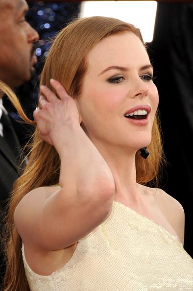 Kristen Stewart Golden Globe Awards. Golden Globes Awards 2011 Red