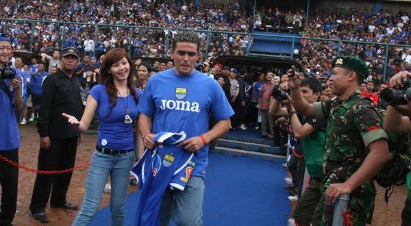 Cristian Gonzales resmi WNI