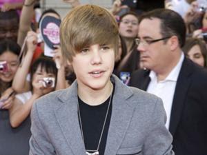Justin Bieber gagal dapat SIM