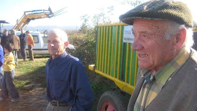 Els pagesos parlant de la feina