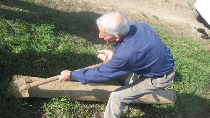 """Netejant el corró del """"trui"""" amb el paló"""