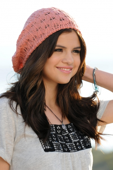 Selena Gomez Out And About 2011. selena gomez dream out loud