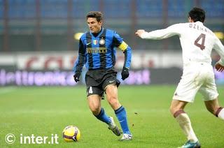 Javier Zanetti, pemain Inter Milan, saat pertandingan Inter melawan Torino