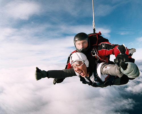 15,000 ft Skydive by dawvon