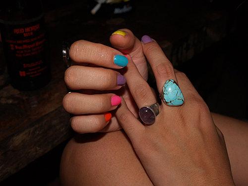 [rainbow+nails]