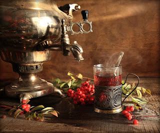 Russian Samovar and Ashberries