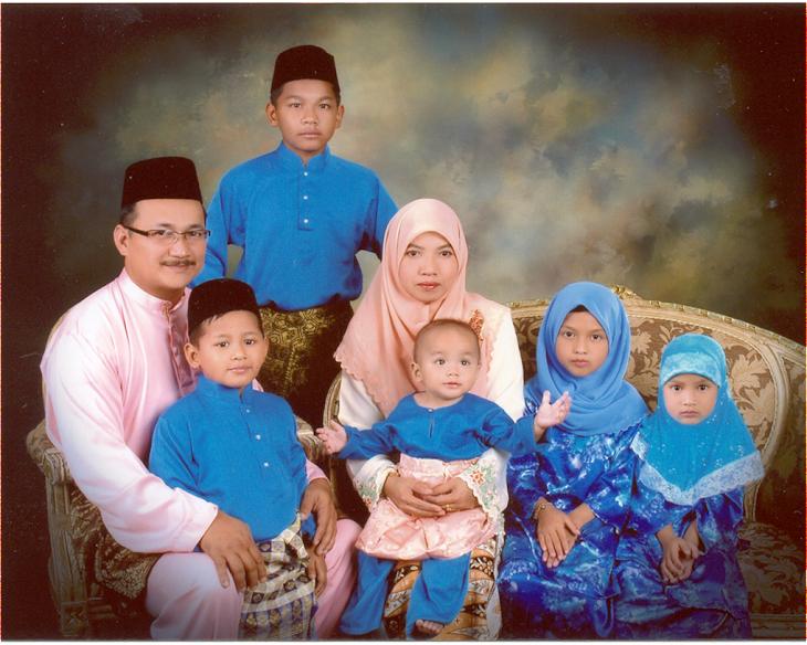 aku dan keluargaku. happy feets
