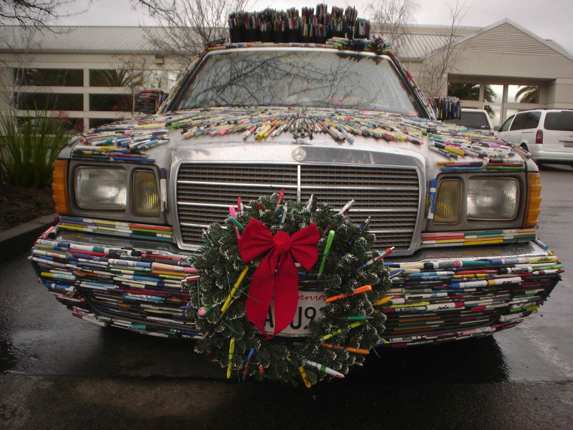 Pen Covered Christmas Wreath On The Mercedes Pens Art Car