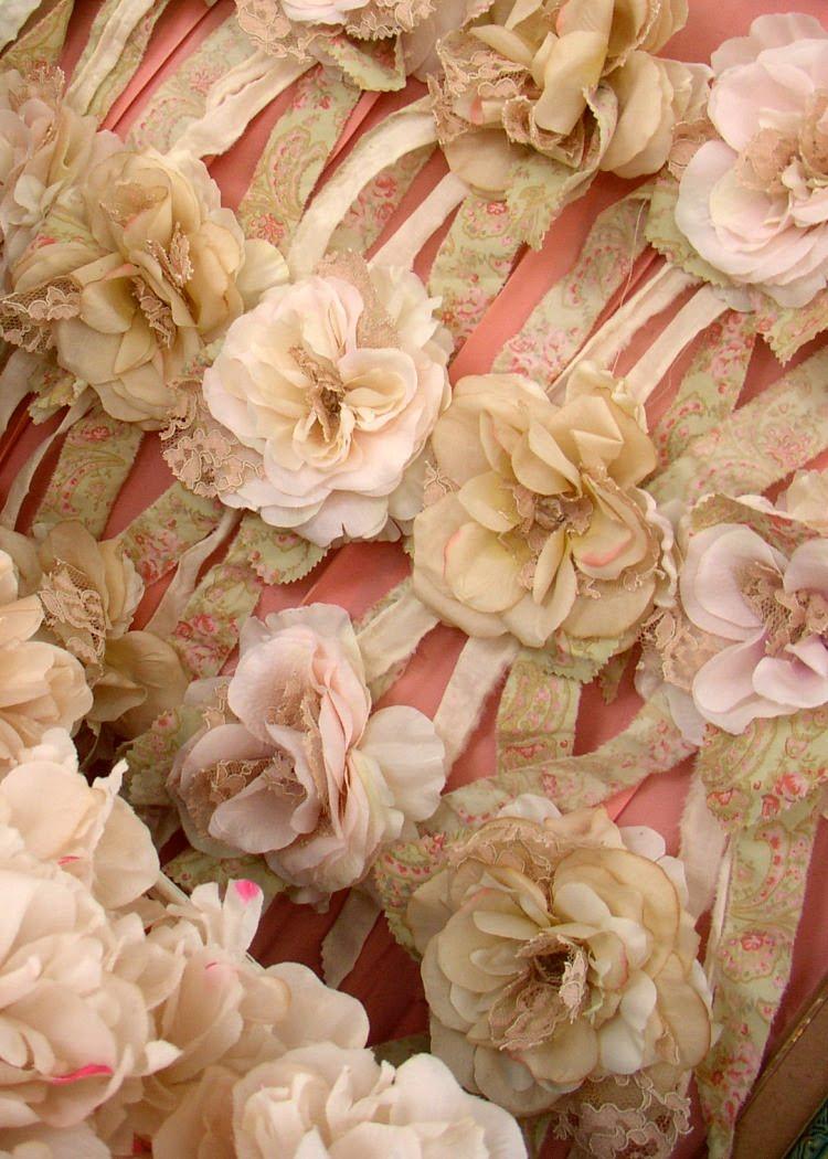 http://4.bp.blogspot.com/_xRO2YHYay6Y/TD_APpI0JaI/AAAAAAAABnA/gYeJLsN2yIQ/s1600/rosettes_b.jpg