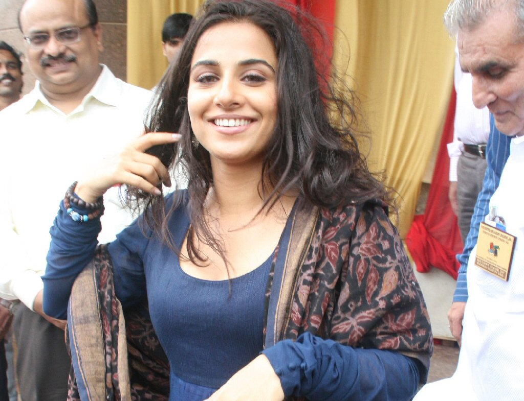 vidya balan launches rotary north end branch function glamour  images