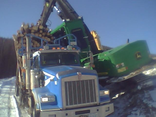 [Sage's+truck+and+loader+bunkin'+together!.aspx]