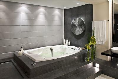 decoracion-bano-matrimonial-bañera-jacuzzi
