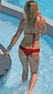 Kate Hudson in a red bikini