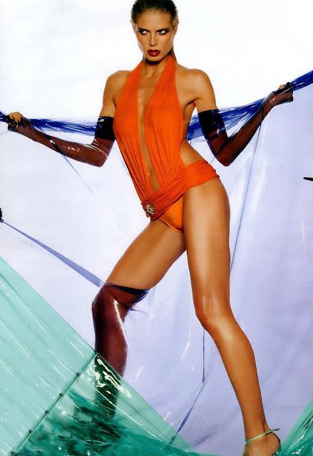 Heidi Klum and her incredible body in swimwear