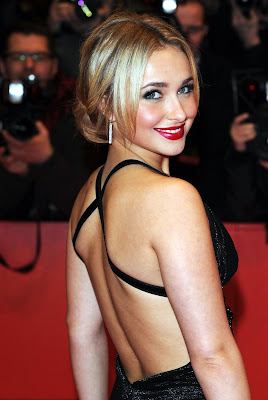 Hayden Panettiere is sexy in black