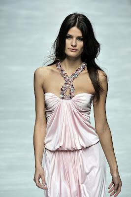 Isabeli Fontana is incredibly beautiful