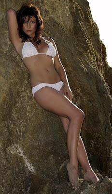 Roxanne Pallett is cute in a bikini