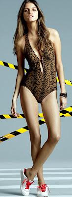Jeisa Chiminazzo looks utterly gorgeous in a bikini