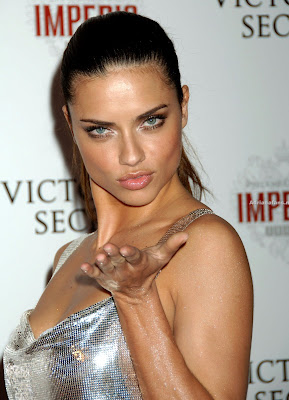 Adriana Lima hot wallpapers 2009 Adriana Lima