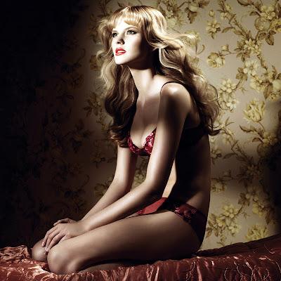 Anne Vyalitsyna - Hot lingerie pics