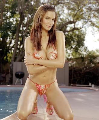 Alexandra Kamp Lingerie and Bikini Pics