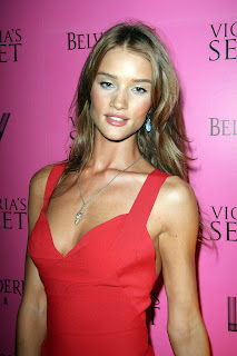 Rosie Huntington Whiteley is hot