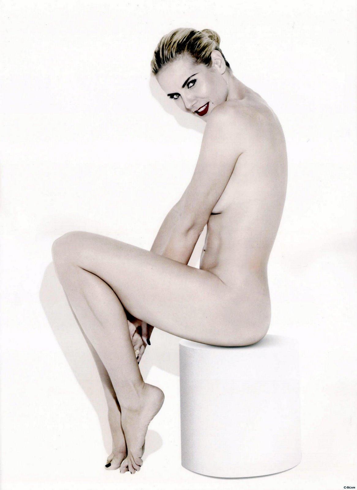 http://4.bp.blogspot.com/_xWe6Mfhdshk/SwLmyEzv1PI/AAAAAAAAVsY/mF9UDXSwr0g/s1600/Heidi_Klum_09110006.jpg