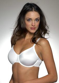 Lauren Budd is ultra sexy in lingerie